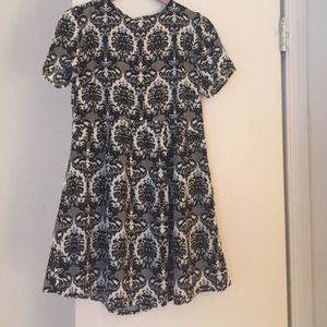Forever 21 Black & White Damask Dress Size Medium